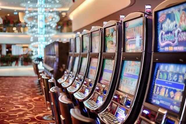 Sind Lootboxen wie Spielautomaten?